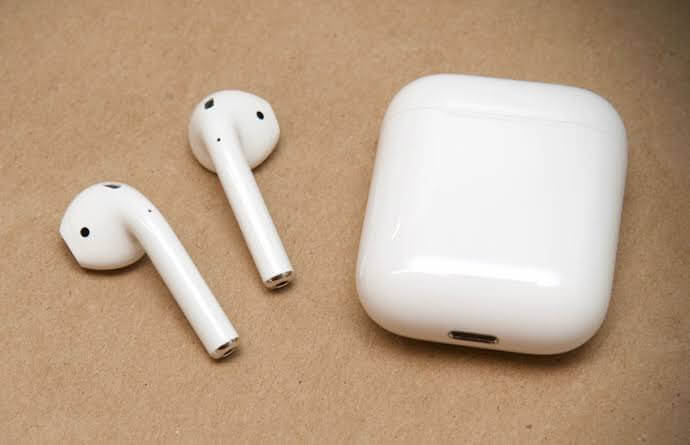 IPhone With Airpods