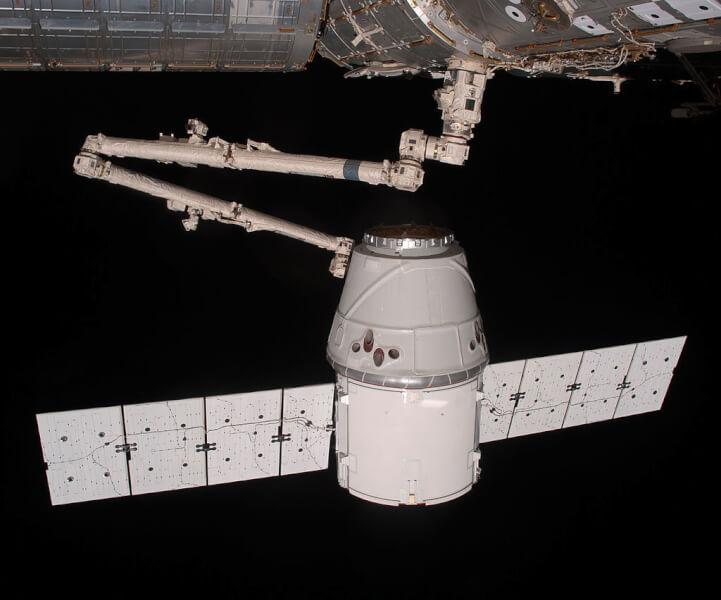 SpaceX. SpaceX Crew Dagon. Falcon 9.