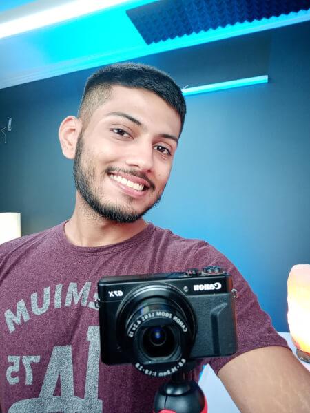 LG W30 Camera