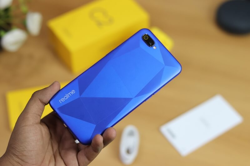 redmi 7a vs realme c2, redmi 7a and realme c2 comparison, realme c2 and redmi 7a specification comparison, realme c2 and redmi 7a camera , realme c2 and redmi 7a camera comparison