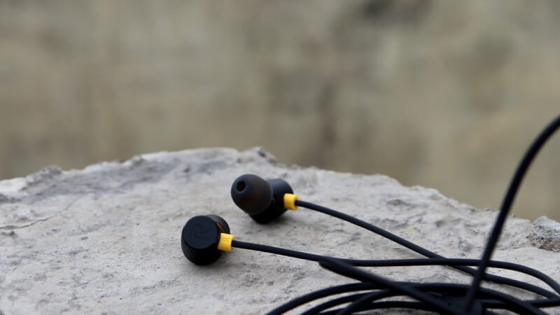 Best earphone under 600 rupees Realme Buds 2