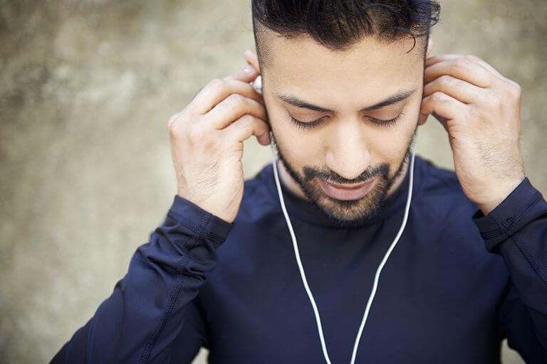 best earphones under rs 2000 on amazon india